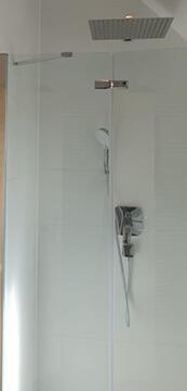 Sanierung Badezimmer mit neue Dusche in Raum Stuttgart.