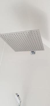 Sanierung Badezimmer mit Dusche in Raum Stuttgart.