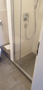 Altes Badezimmer komplett saniert.