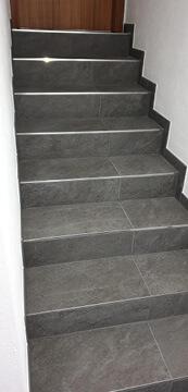 Schöne neue Treppe in Raum Stuttgart fertig renoviert.