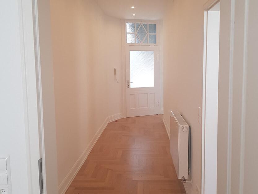 Altbausanierung, neuer Boden, Wände und Türen.