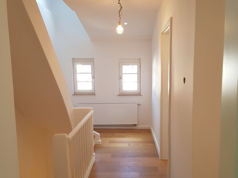 Haus renovieren lassen, neues Treppenhaus.