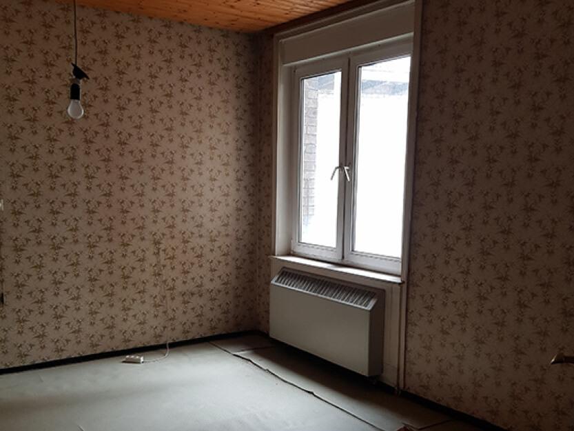 Wohnung komplett renovieren lassen, altes Zimmer.